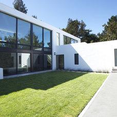 Modern Exterior by MAK Studio