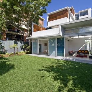 シドニーのコンテンポラリースタイルのおしゃれな二階建ての家 (アパート・マンション) の写真
