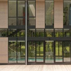 Modern Exterior by Design Alternatives, Inc.