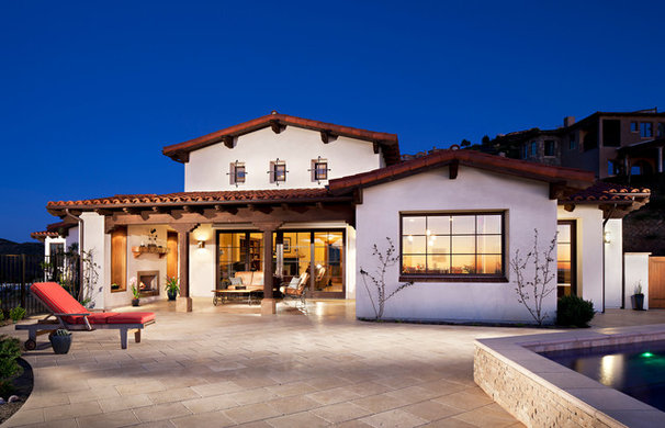 Traditional Exterior by AlphaStudio Design Group