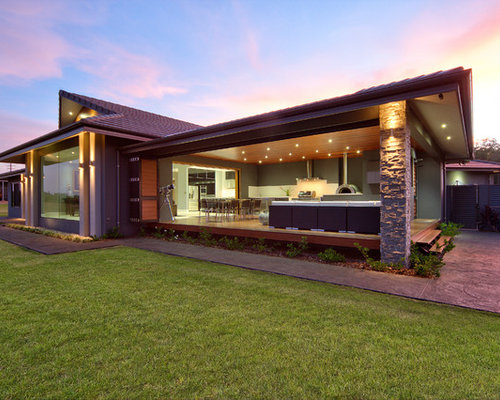 Minimalist exterior home photo in cairns