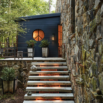 Hinkley Nuvi Step Light and Porter Outdoor Wall Lantern