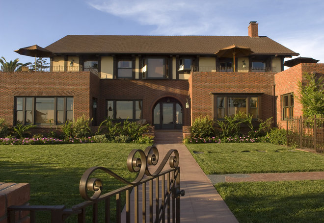 Traditional Exterior by Tommy Chambers Interiors, Inc.