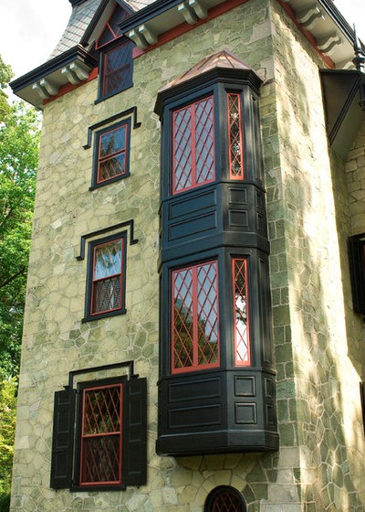 American Traditional Exterior by Pine Street Carpenters & The Kitchen Studio