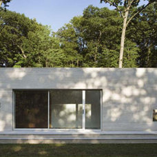 Modern Exterior by Hanrahan Meyers Architects