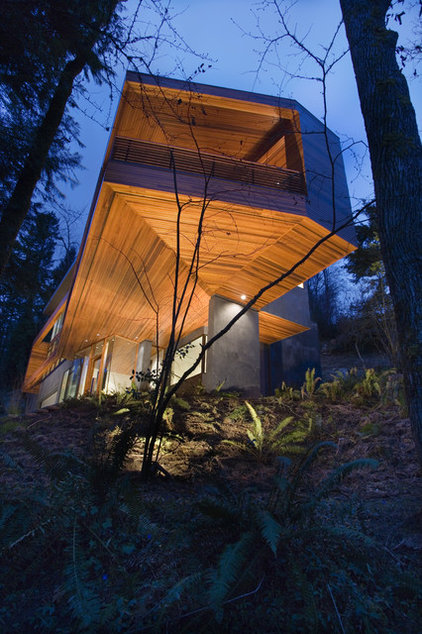 Contemporary Exterior by skylab architecture