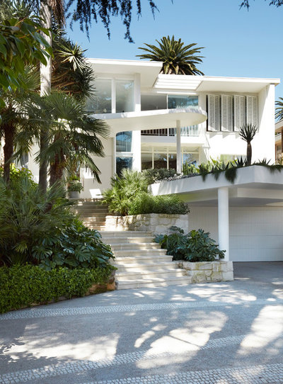 Modern Exterior by Luigi Rosselli Architects