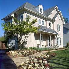 Traditional Exterior by Meridian Homes Inc.