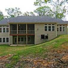 Traditional Exterior by Heartlands Building Company
