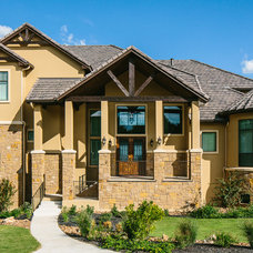 Traditional Exterior by Matthew Niemann Photography
