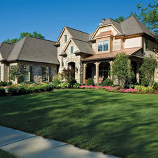 Traditional Exterior by Bowerman Kenneth R Architect Inc