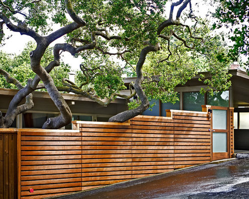 Sloped fence ideas pictures remodel and decor for Plusen landscape architects