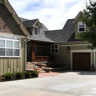 Idéer för mellanstora amerikanska gröna hus, med två våningar, blandad fasad och sadeltak