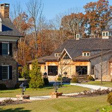 Traditional Exterior by Worthington Custom Builder Inc.