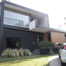 Modern Exterior by Bradley Edwards, Architect