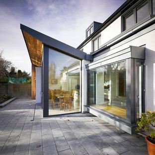 Modernes Haus mit Glasfassade in Dublin