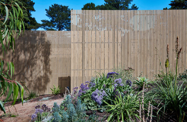 Contemporary Exterior by Warc Studio Architects
