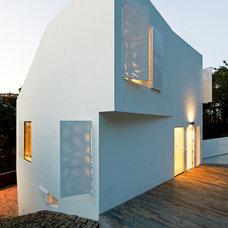Contemporary Exterior by YLAB Arquitectos