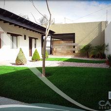 Contemporary Exterior by CARTE Arquitectos