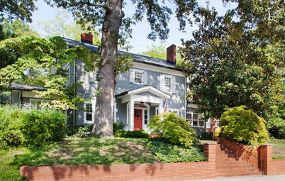 Houzz Tour: Whole-House Remodeling Suits a Historic Colonial
