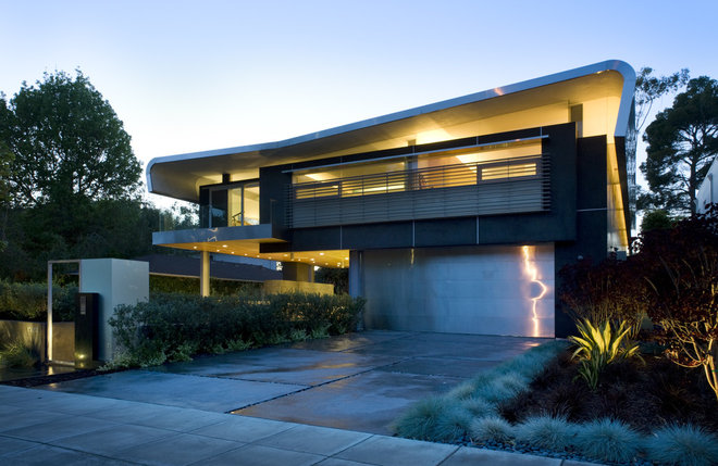 Contemporary Exterior by Glen Irani Architects