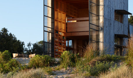 Houzz Tour: Surf's Up for Beach Hut on Sleds