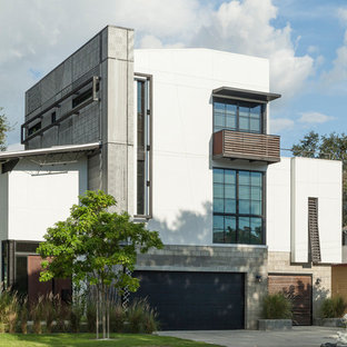 Urban multicolored three-story mixed siding house exterior photo in Tampa
