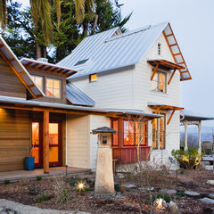 traditional exterior by Arkin Tilt Architects