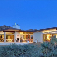 Houzz Tour: Double Butterfly Roofline Takes Flight in the Desert