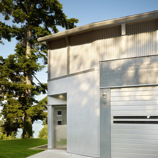 Urban mixed siding exterior home photo in Seattle