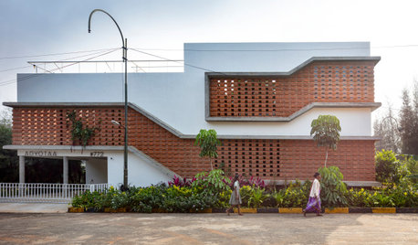 Bangalore Houzz: This Bungalow Is Half-Indoors and Half-Outdoors