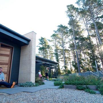 Inspiring hills home built to maximize efficiency