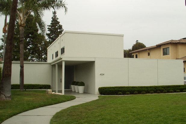 Modern Exterior by Steven Corley Randel, Architect