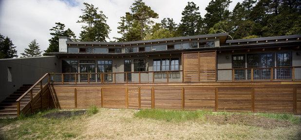 Modern Exterior by Gustave Carlson Design