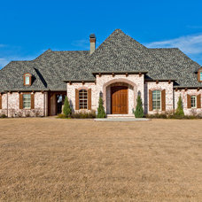 Traditional Exterior by Designer