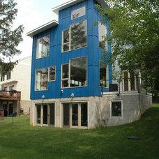 Modern Exterior by Ruhf Plitt Architects, Ltd.