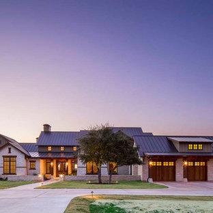 Farmhouse exterior home idea in Austin