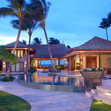 Tropical Exterior by Peter Vincent Architects