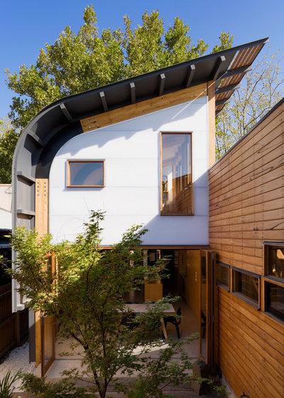 Contemporary Exterior by TANDEM design studio