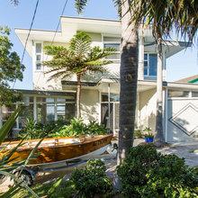 Stickybeak of the Week: A Beach House Finally Gets its Sea Views