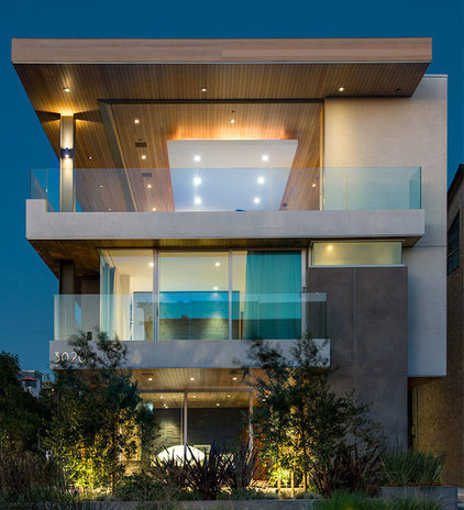 Contemporary Exterior by Michael Lee Architects