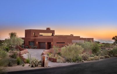 Houzz Tour: Desert Home Blurs Every Line Between Indoors and Out