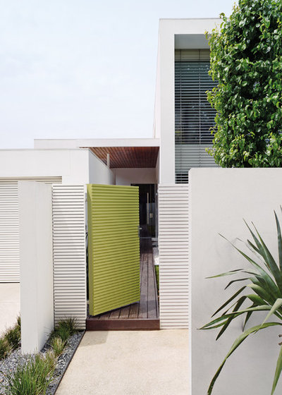 Contemporary Exterior by Dulux Paint