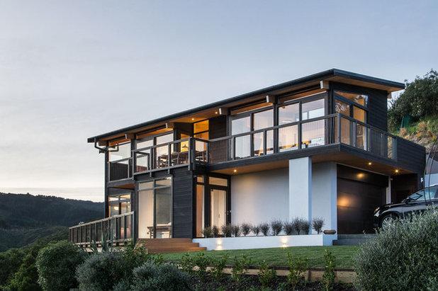 Contemporary Exterior by Tse:Wallace Architects Ltd