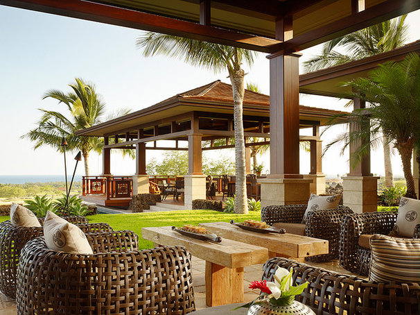 Tropical Exterior by GM Construction, Inc.
