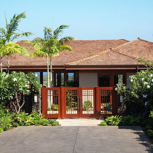 Inspiration for a tropical exterior home remodel in Hawaii