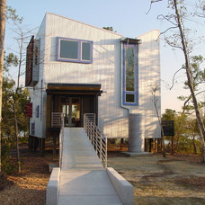 Contemporary Exterior by Michael Ross Kersting Architecture, P.A.