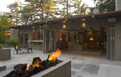 Want More Party Space? 5 Tips to Improve Indoor-Outdoor Flow