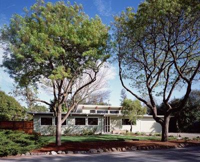 Modern Exterior by Chr DAUER Architects