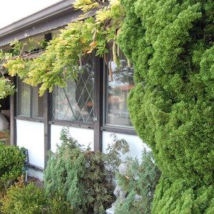 Modern exterior home idea in Orange County
